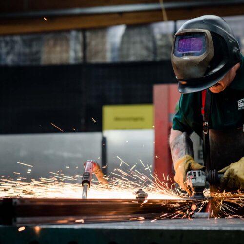 Über-uns_Kompetenzen_Produktion_Metallbearbeitung (6)