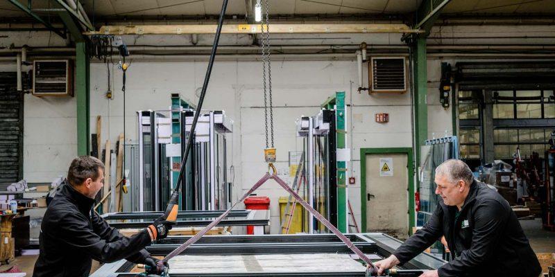 Über-uns_Kompetenzen_Produktion_Verglasung-Fertigmontage (10)