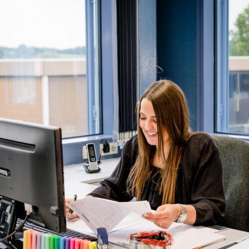 Jobs-Karriere_kaufmännisch_Sachbearbeiter-Finanzbuchhaltung (2)