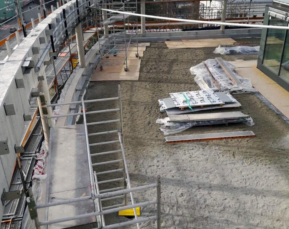 RoMed Klinik - Aluminium Fassade Rundbalken